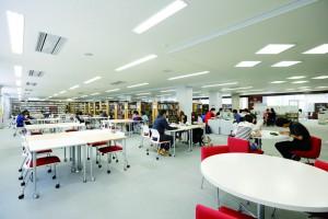 P81 図書館