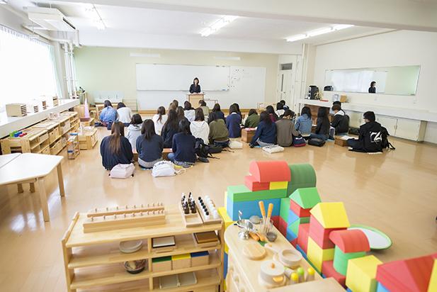 アタリ_保育実習室