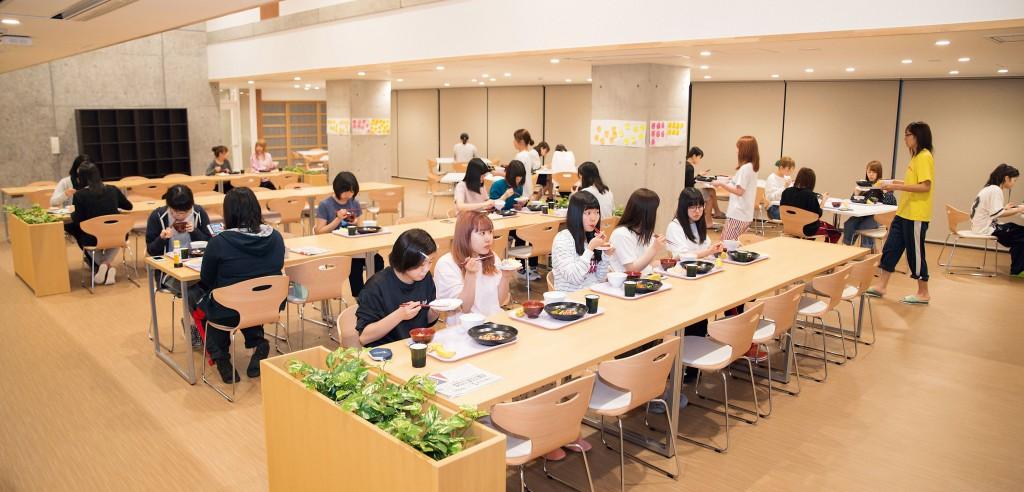 女子学生寮メインカット